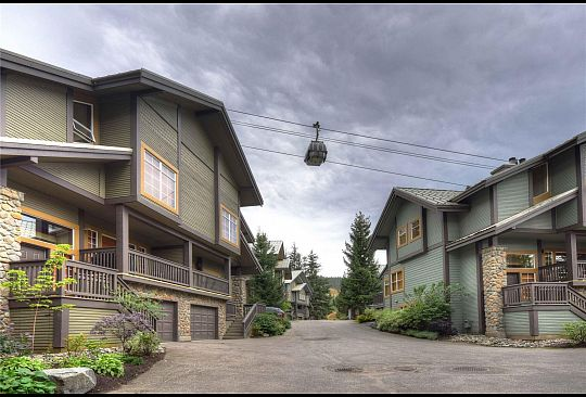 #16-4501 Blackcomb Way