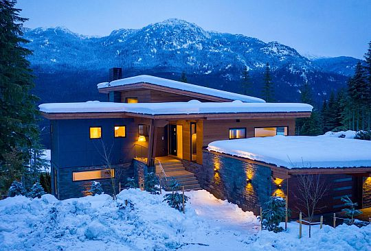 2919 HERITAGE PEAKS TRAIL Whistler BC Canada