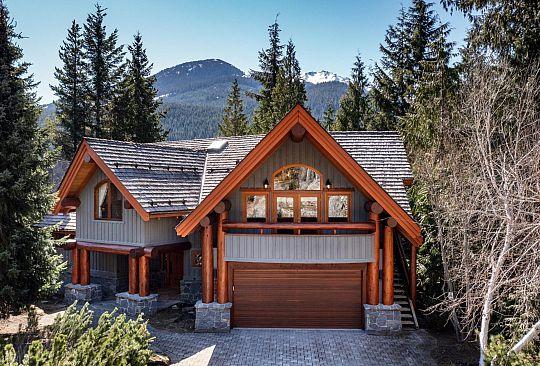 3231 PEAK DRIVE Whistler BC Canada