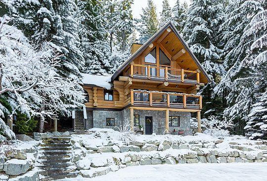 3257 ARCHIBALD WAY Whistler BC Canada