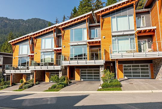 33-8400 Ashleigh McIvor Drive Whistler BC Canada