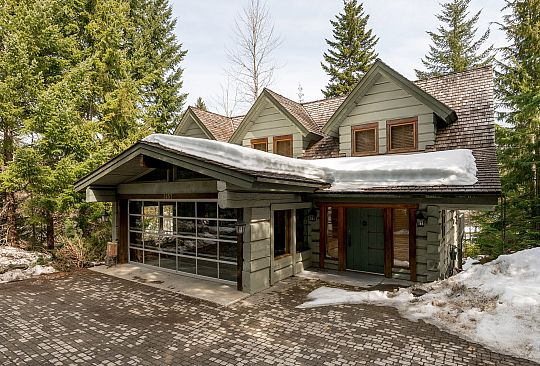 3457 Blueberry Drive Whistler BC Canada