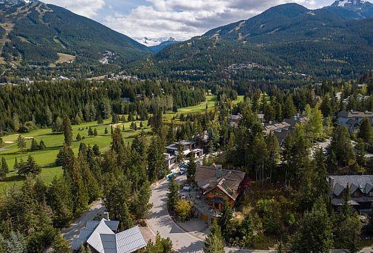 3565 Falcon Crescent Whistler BC Canada