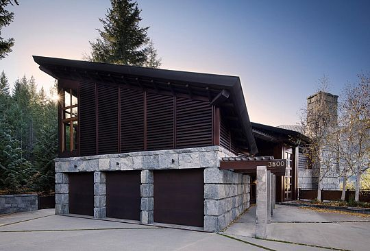 3800 SUNRIDGE PLACE Whistler BC Canada