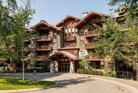 422-4660 Blackcomb Way Whistler BC Canada