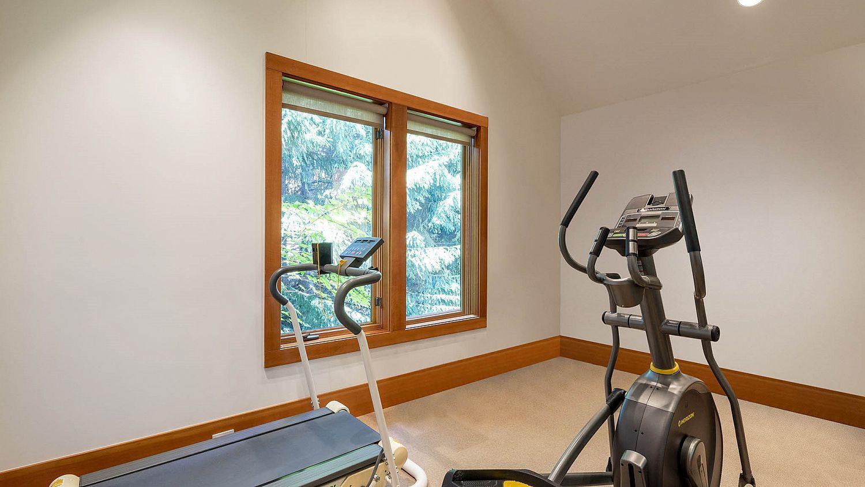 4868 Summit Lane