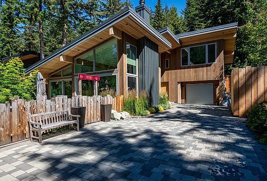 6534 BALSAM WAY Whistler BC Canada