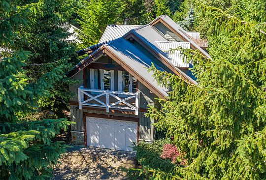 7313 FITZSIMMONS ROAD SOUTH Whistler BC Canada