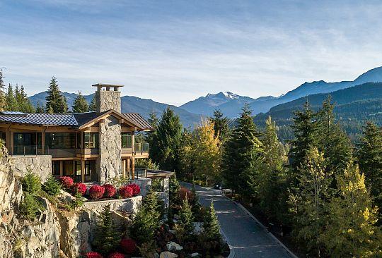 7465 Treetop Lane Whistler BC Canada