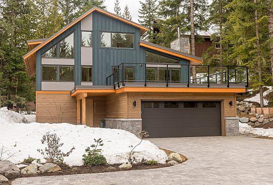 8520 Drifter Way Whistler BC Canada