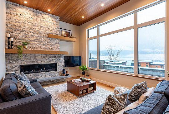 8604 JON MONTGOMERY STROLL Whistler BC Canada