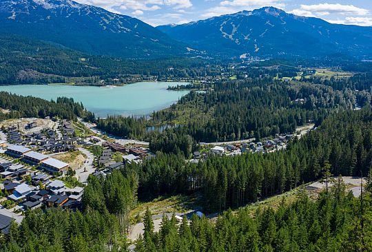 8611 MAELLE RICKER LANE Whistler BC Canada