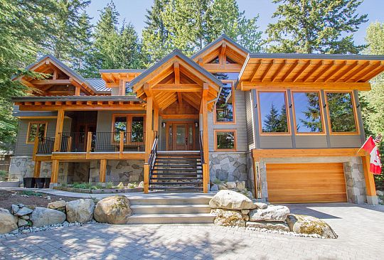 8628 DRIFTWOOD CLOSE Whistler BC Canada