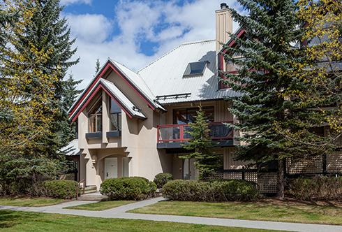 villas, snowberry & wintergreen