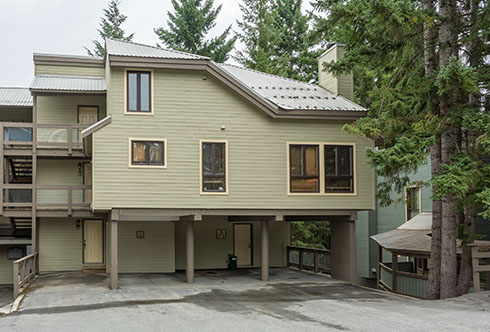 20-6125 Eagle Drive Whistler BC Canada