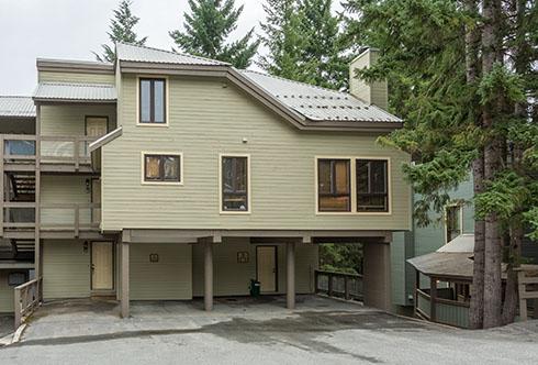 20-6125 Eagle Drive Whistler BC Canada