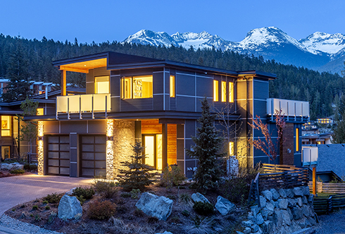 8472 Bear Paw Trail Whistler BC Canada