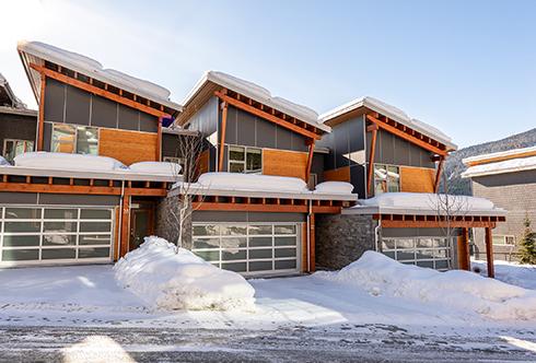 27-8400 Ashleigh McIvor Drive Whistler BC Canada